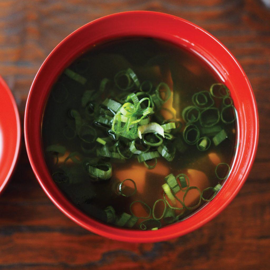 豆腐海藻味噌湯